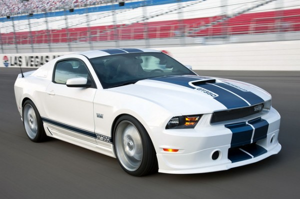 Ford Mustang Shelby GT350. Фото взято з сайту auto.mail.ru